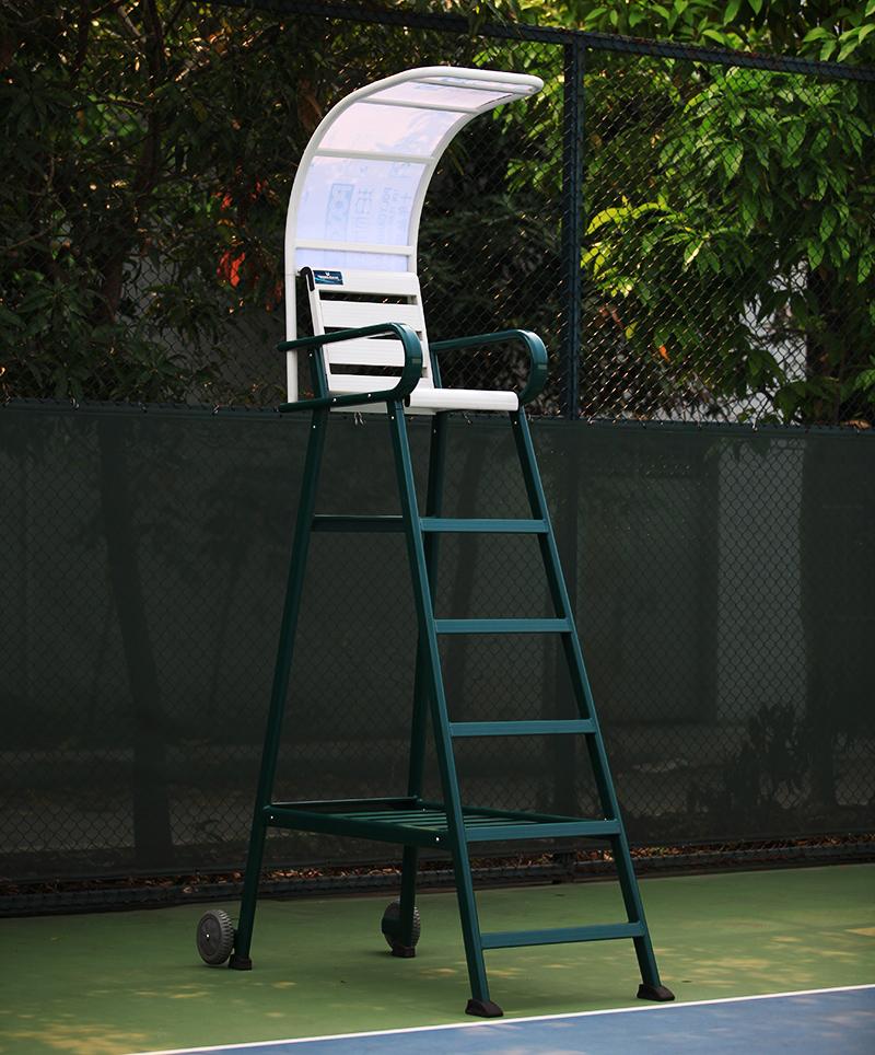 体育器材裁判椅喷粉喷塑